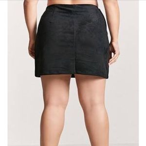 e62d9e10f94 Forever 21 Skirts - Forever 21 Plus Size Faux Suede Mini Skirt Black